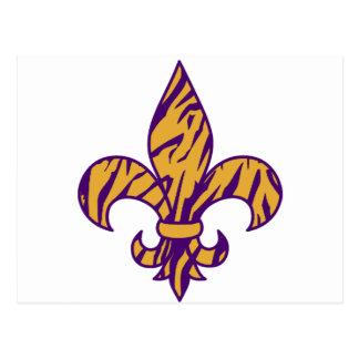 Postal Púrpura y flor de lis rayada del tigre del oro