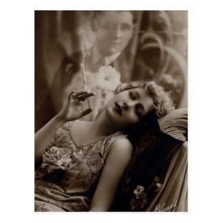 postal que fuma de la mujer del art déco de los