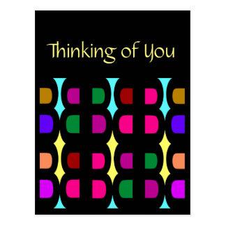 Postal que piensa en colores del Usted-Arco iris