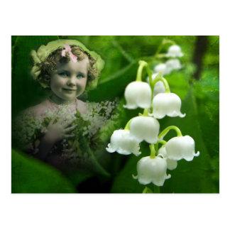 Postal Ramo blanco dulce de la flor de Bell del lirio de