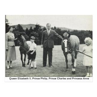 Postal Reina Elizabeth II, príncipe Philip, Charles, Anne