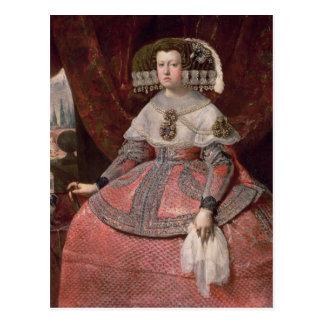 Postal Reina Maria Ana de España en un vestido rojo