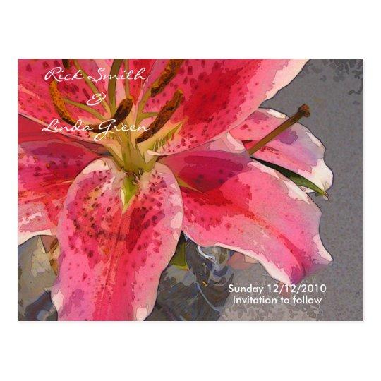 Postal Reserva rosada y blanca del lirio de día la fecha