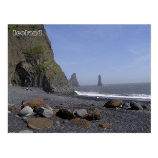 Postal Reynisdrangar, playa de Reynisfjara, Islandia
