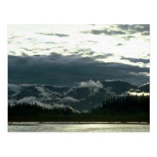 Postal Río de Nahanni en el valle de Deadman, NWT, Canadá