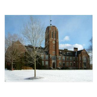 Postal Rockwell en invierno en la universidad de la