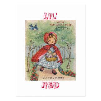 Postal roja de la capa con capucha del vintage