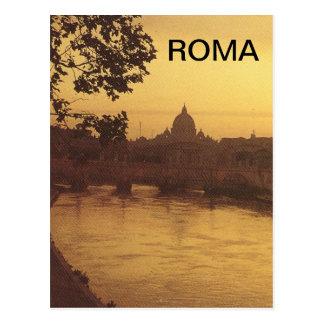 Postal Roma en la puesta del sol, el río Tíber y San
