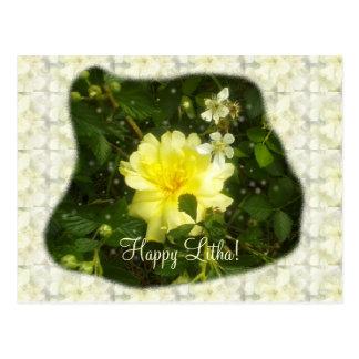 Postal Rosa amarillo en el solsticio de verano de las
