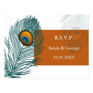 Postal rsvp anaranjado del boda del pavo real