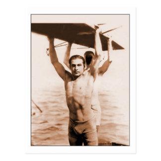 Postal Rudolph Valentino en bañador