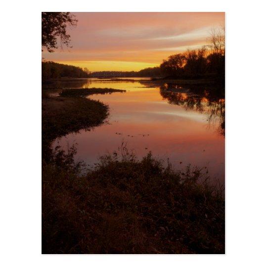 Postal Salida del sol sobre el río de Maumme