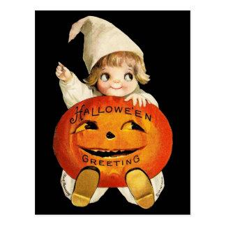 Postal Saludo de Halloween del vintage con la niña