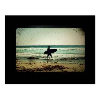Postal Silueta de la persona que practica surf del estilo