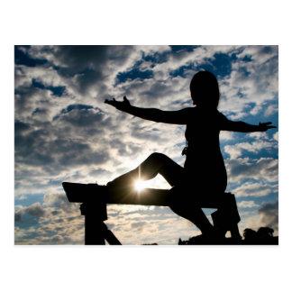 Postal Silueta de la yoga