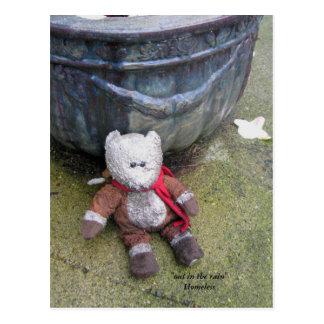 Postal sin hogar del oso de peluche
