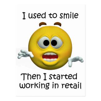 Postal Sonreía humor al por menor del empleado