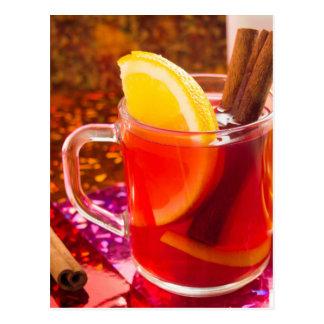 Postal Taza transparente de té con la fruta cítrica,