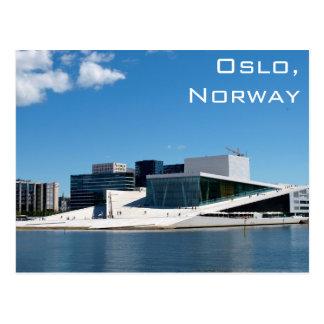 Postal Teatro de la ópera de Oslo en Noruega en un día de
