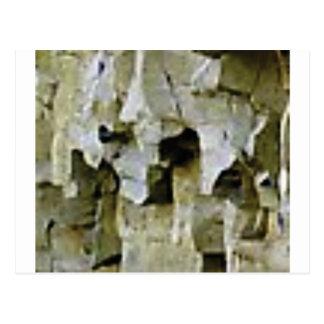 Postal techo blanco áspero de la roca