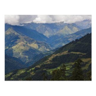 Postal Tierras de labrantío y pueblo en el Himalaya