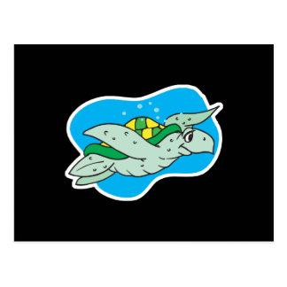 Postal tortuga de mar feliz de la natación