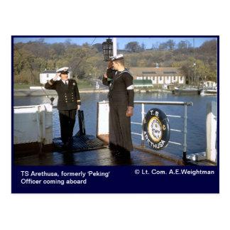 Postal TS Arethusa, oficial que viene a bordo