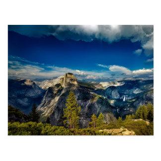 Postal Valle en blanco de Yosemite en el parque nacional