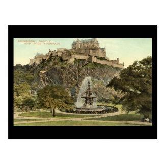 Postal vieja, castillo de Edimburgo y fuente de
