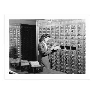 Postal Vintage del catálogo de fichas de la mujer y de la