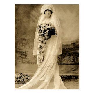 Postal Vintage que casa a una novia