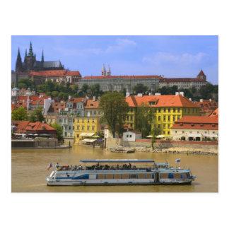Postal Vista del castillo y de la ciudad de Praga por