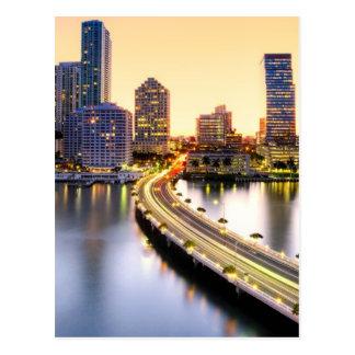 Postal Vista del mandarín Miami oriental con la reflexión