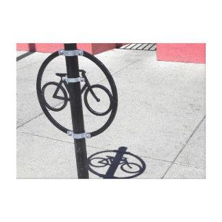 Poste que engancha de la bicicleta urbana impresiones en lienzo estiradas
