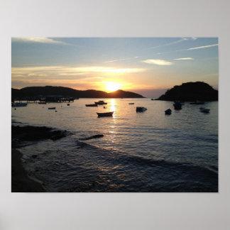 Poster brasileño de la puesta del sol de la playa póster