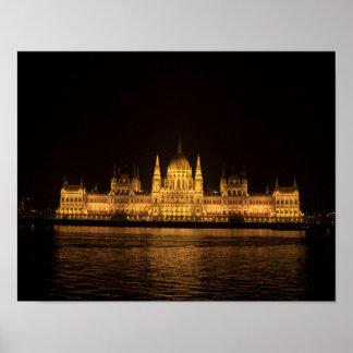 Póster Budapest en la noche