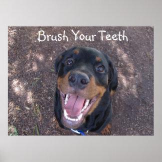 Póster Cepille su poster del perrito de Rottweiler de los