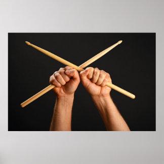 Poster con dos manos con los palillos cruzados póster
