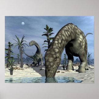 Póster Consumición del dinosaurio del Argentinosaurus