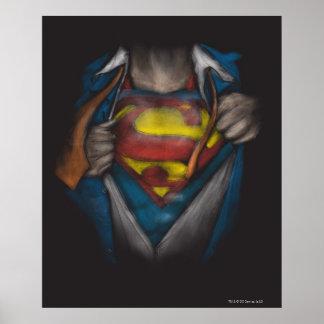 Póster El pecho del superhombre el | revela el bosquejo