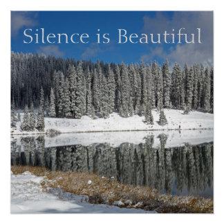 Póster El silencio es hermoso