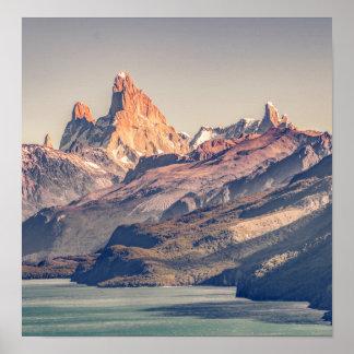 Póster Fitz Roy y montañas de Poincenot los Andes -