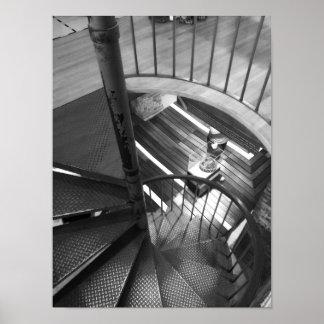 Póster Fotografía blanco y negro de la escalera espiral