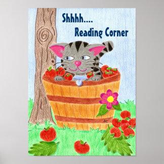 Póster Gato en la cesta de la manzana, leyendo el poster
