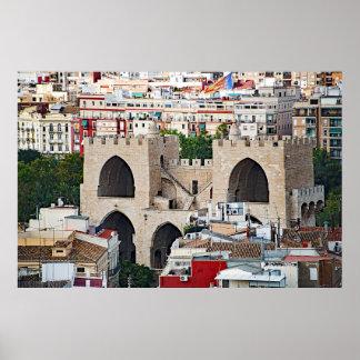 Póster La vista de Serranos se eleva (Porta de Serrans)