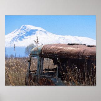 Póster Montaña de Ararat y poster oxidado del autobús