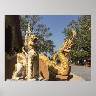 Póster Naga de oro y ~ blanco Chiang Mai, Tailandia del