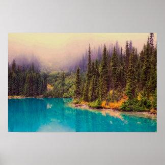 Póster Paisaje septentrional escénico con los árboles de