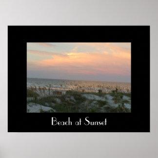 Póster Playa en la puesta del sol
