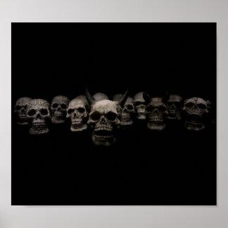 Póster Poster oscuro de la mirada de soslayo